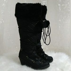 Shoes - {No Brand} Knee High Quilted Fur Heeled Boots
